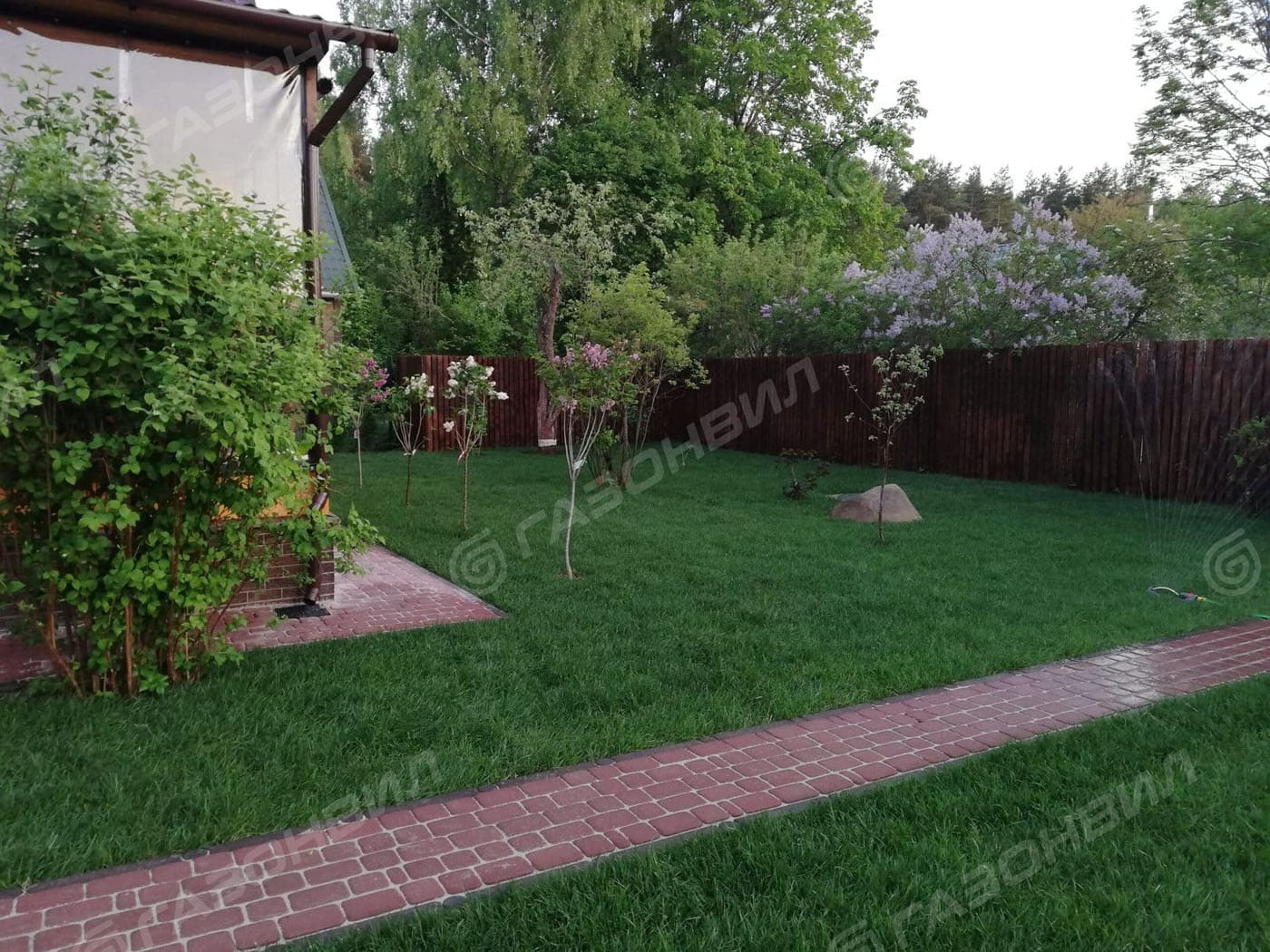 Партерный рулонный газон слайдер 3